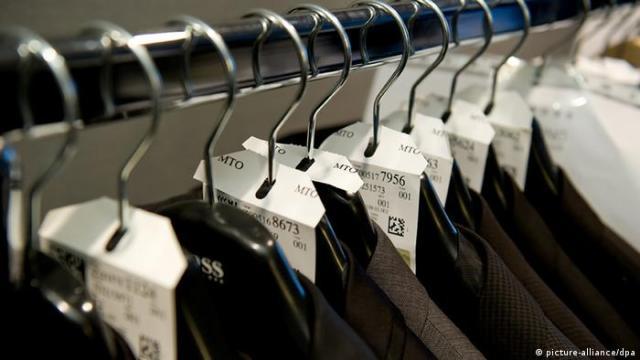 Dok odjela marke Hugo Boss stoje tisuće eura, krojačice koje ih šivaju zarađuju oko 300 eura mjesečno