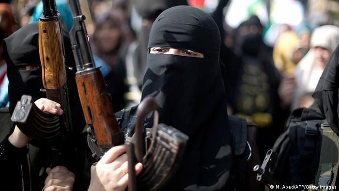 Palästinenser Gaza Frau als Islamischer Dschihad Kämpfer