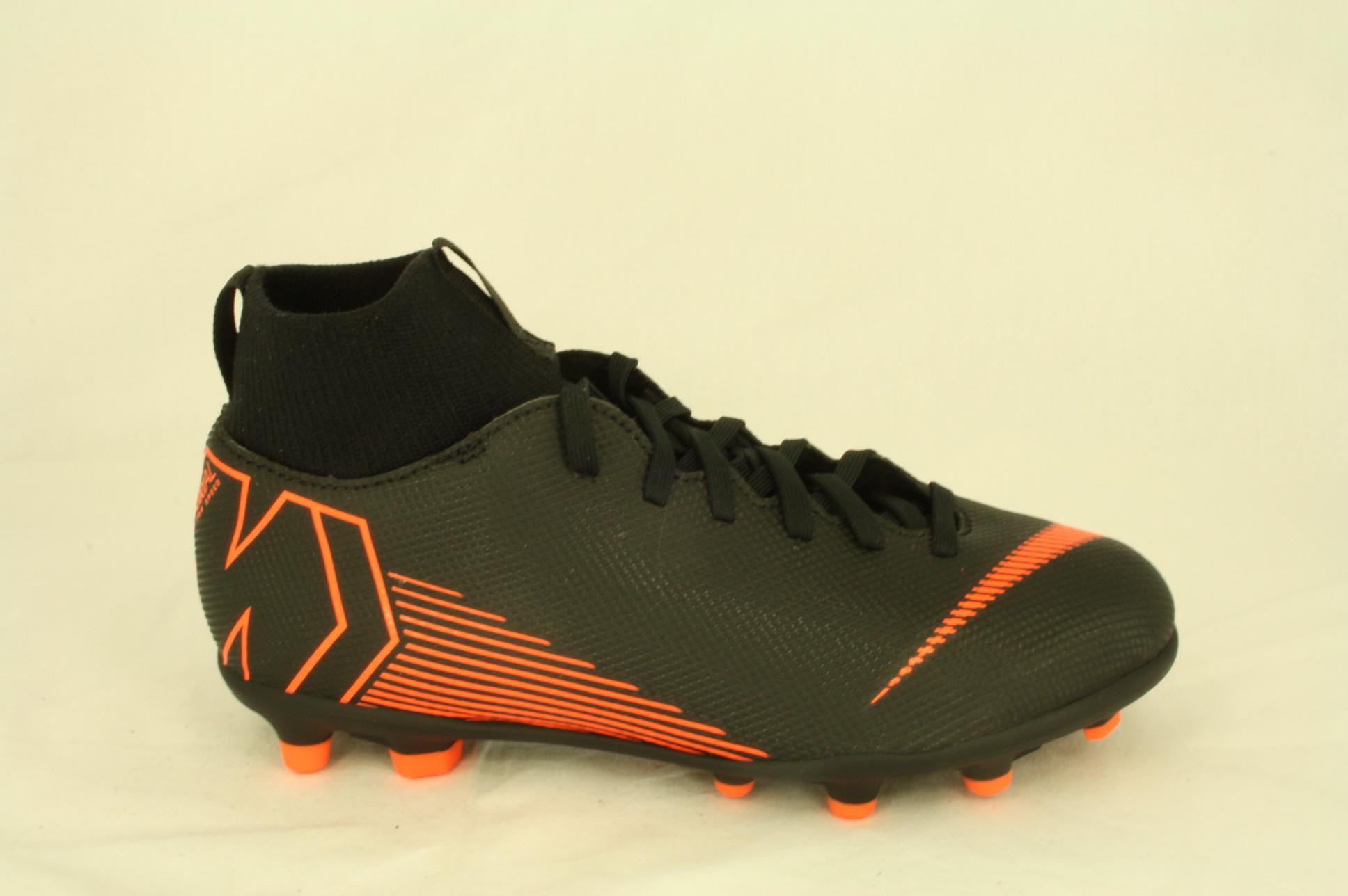 Dwars schoen en sportmode Nike: voetbalschoen, Mercurial, zwart + sok, maat 35 tm 39 € 54,99