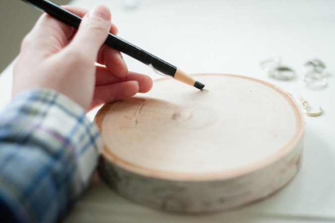 wood round ring holder