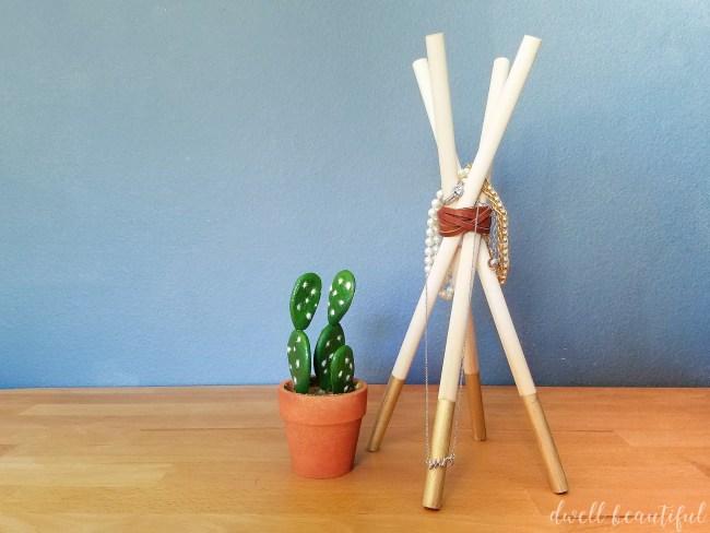 DIY Wooden Dowel Teepee Jewelry Holder
