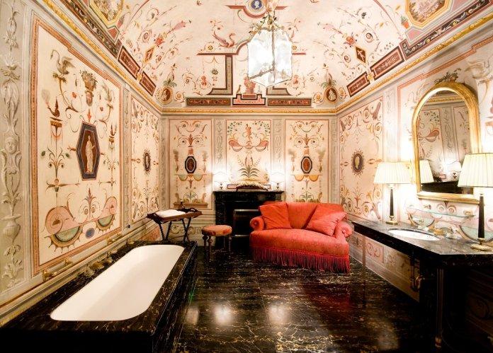Villa Le Rose bathroom