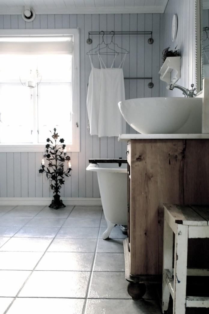 shabby-chic-bathroom-vanities