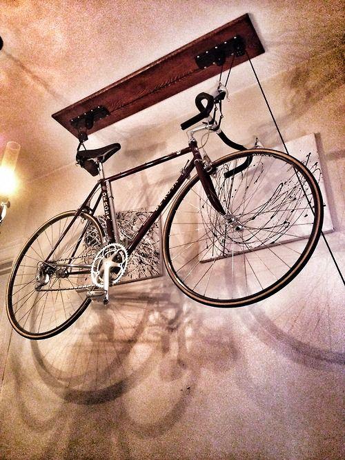 Capacity Mountain Bicycle Hoist