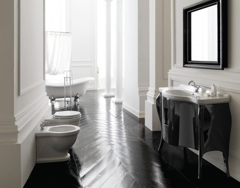 Spacious Art Deco Bathroom