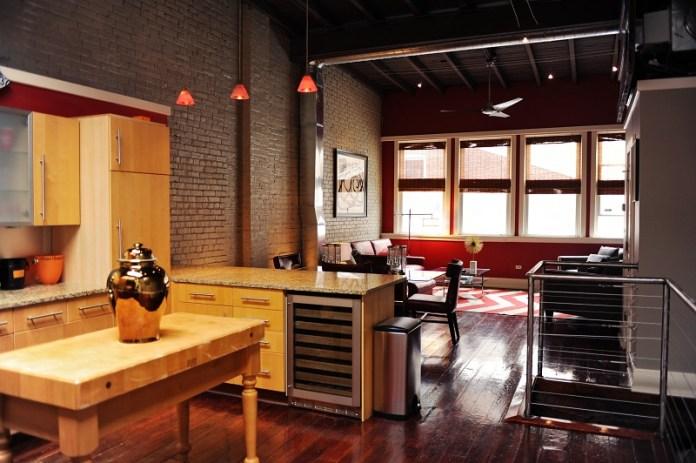 bachelor-pad-loft-lwr-kitchen-den
