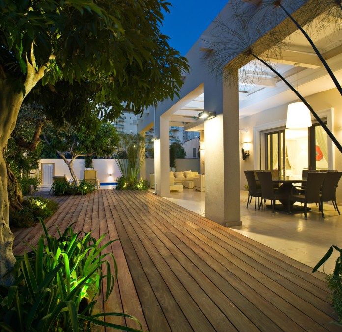 Good-Looking-Deck-Modern-design-ideas-for-Enclosed-Deck-Ideas-Image-Decor