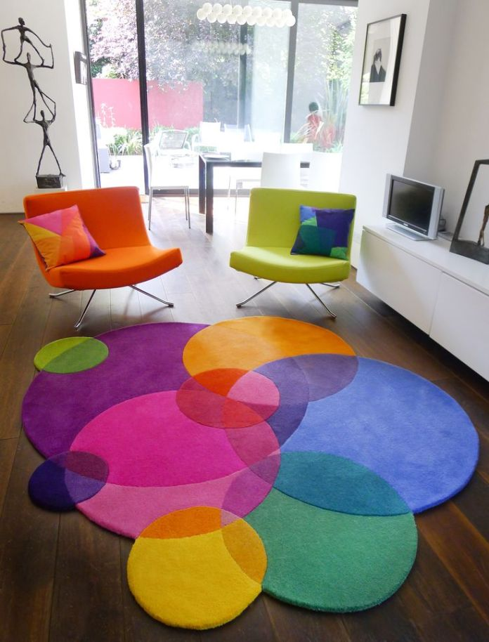 rainbow-colored-rug