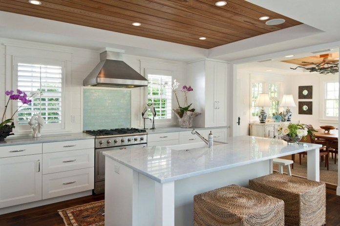 Tropical Kitchen with Flat panel cabinets