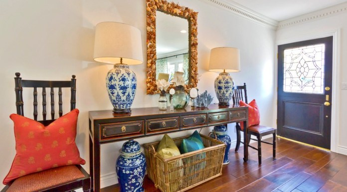 Glamorous Entry Eclectic design ideas for Foyer Console Table