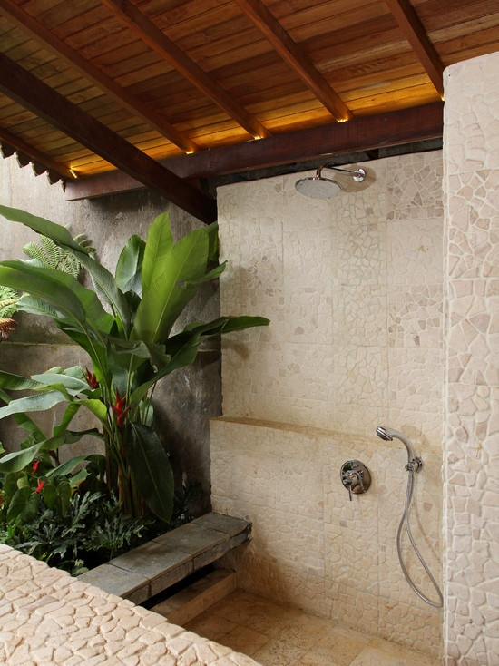 Amazing Tropical Bathroom Decor Idea