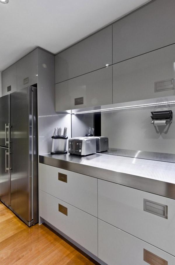 Contemporary-Kitchen-Design-For-Small-Spaces