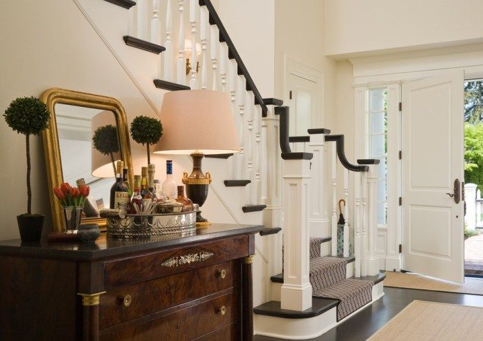 Terrific-Entryway-Table-Decorating