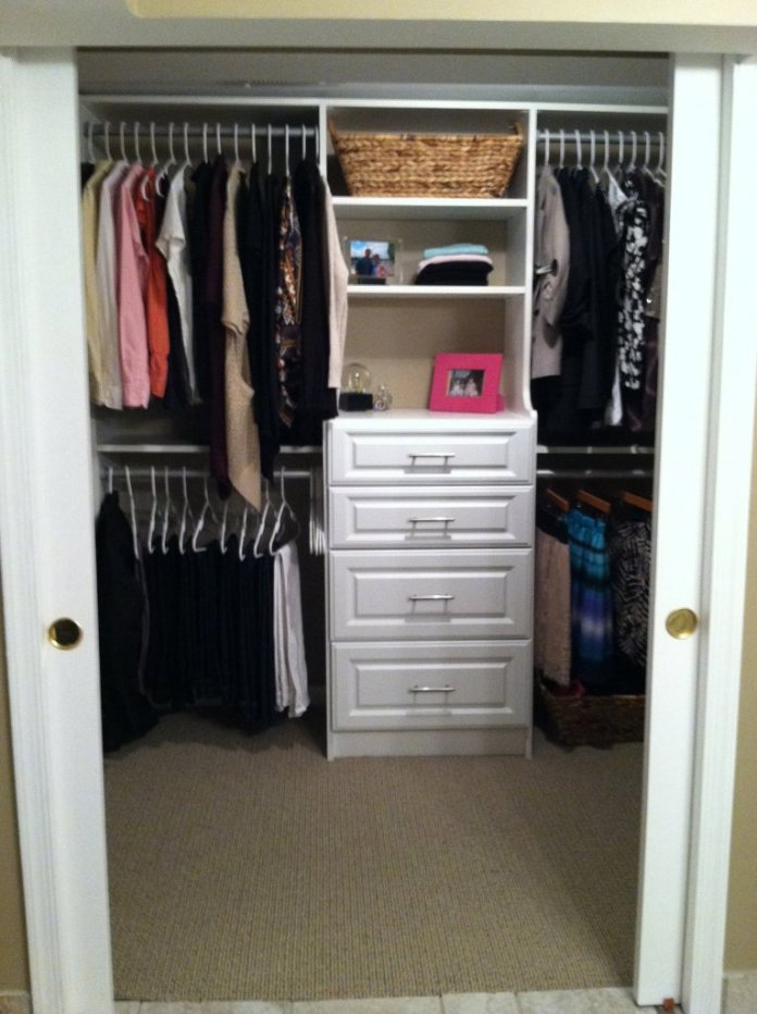 White Wooden Closet With Four Drawers And Grey Alumunium Cloth Hooks Complete With Racks