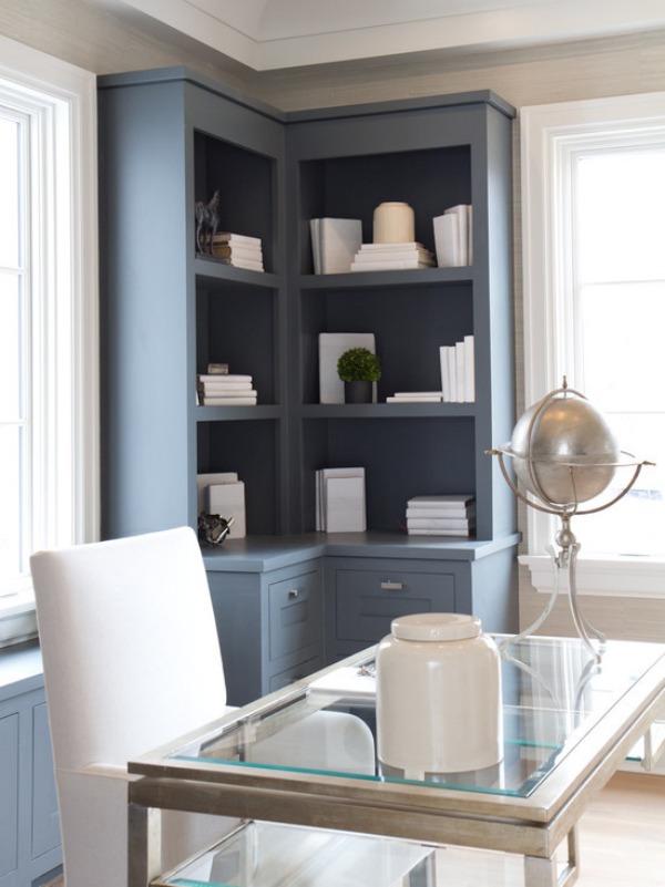 farmhouse-home-office-corner-built-in-shelves