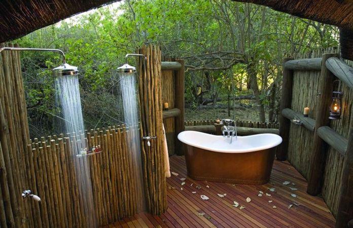 rustic-outdoor-bathrooms