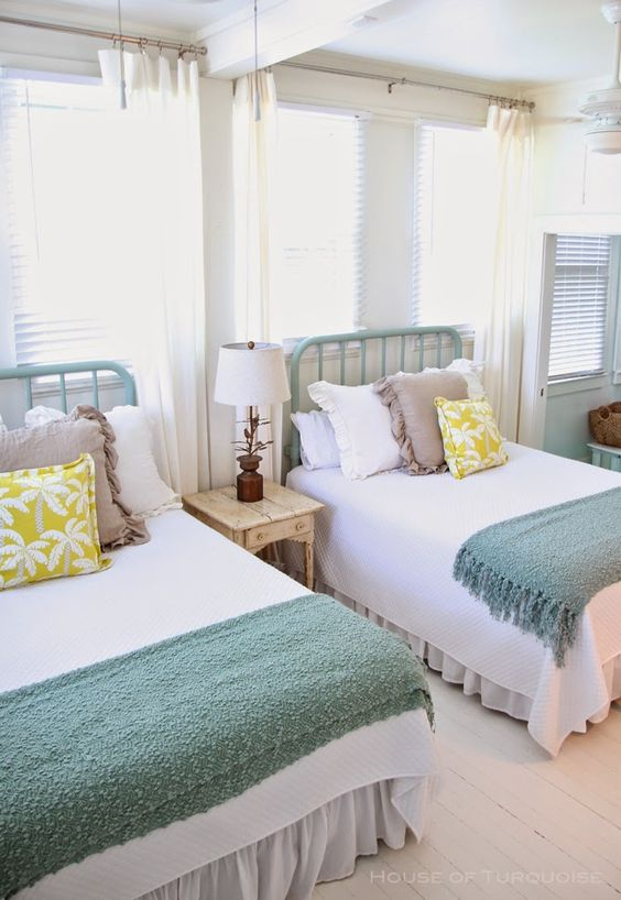 Turquoise Cozy Bedroom Design