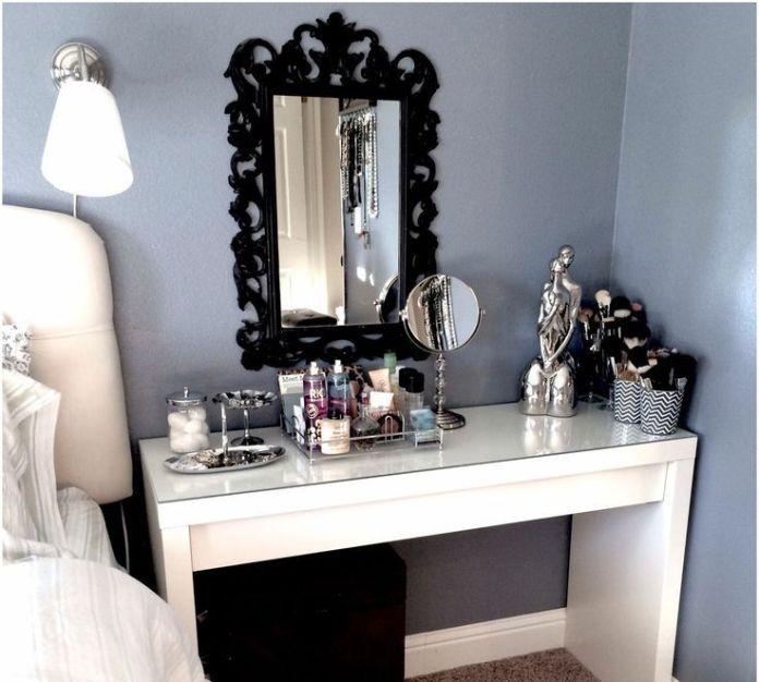 Stunning Bedroom Vanity Ideas (14)
