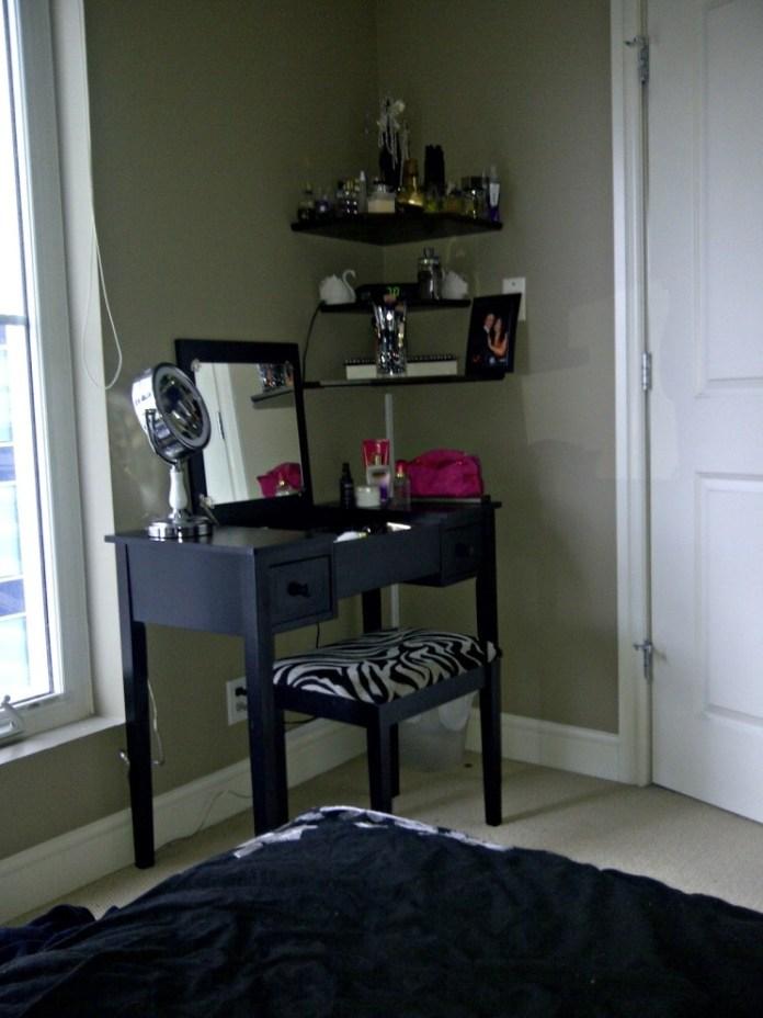 Stunning Bedroom Vanity Ideas (2)