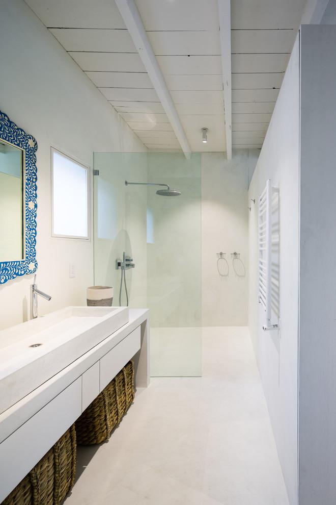 scandinavian-bathroom-walk-in-shower