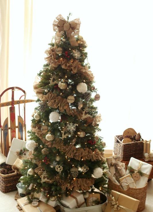 awesome-christmas-tree-decorating-ideas-4