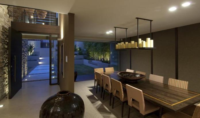 contemporary-luxurious-dining-room