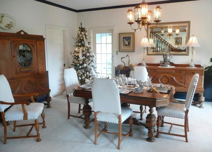 dining-room-christmas-decoration
