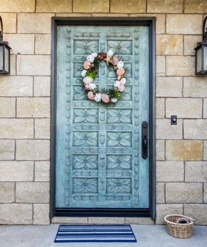 mediterranean-front-door-christmas-wreath