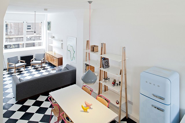 small-living-room-and-kitchen-combo