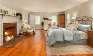 15 Master Bedrooms With Hardwood Flooring