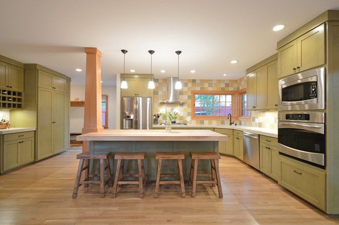 Craftsman L-Shaped Kitchen
