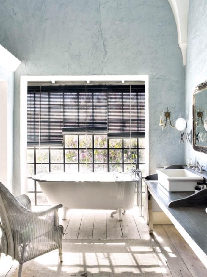 Shabby-Chic-Style Bathroom With Bathtub