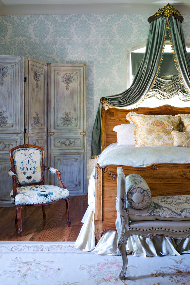 Traditional Country Bedroom
