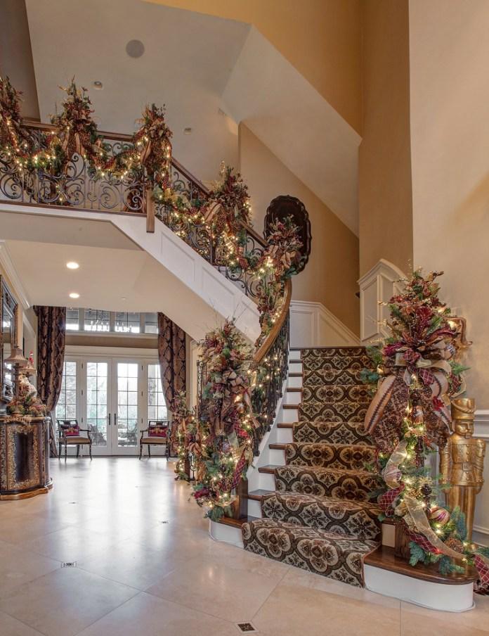 Foyer Staircase Christmas Garland Dwellingdecor
