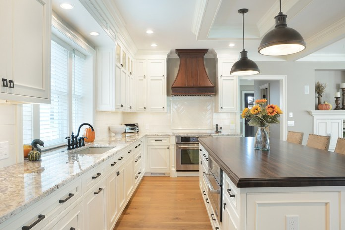 Large Craftsman Kitchen Dwellingdecor