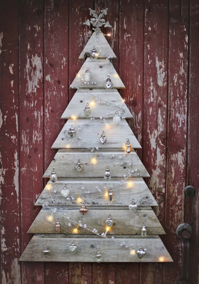 DIY Pallet Christmas Tree Alternatives dwellingdecor