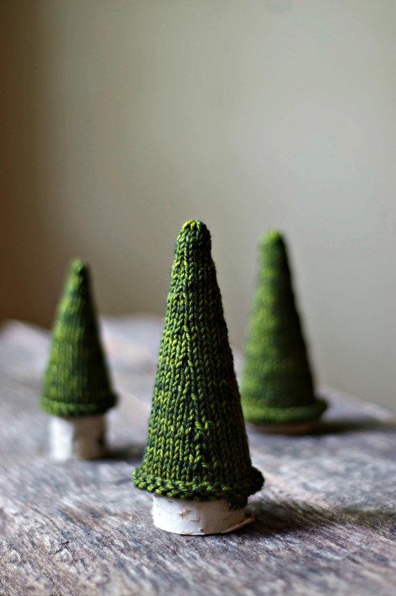 Pine Knit Christmas Tree dwellingdecor