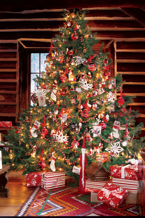 Red and Green Christmas Tree Dwellingdecor
