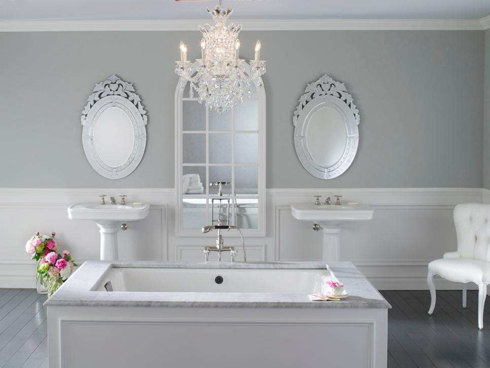 Traditional Bathtub Design dwellingdecor