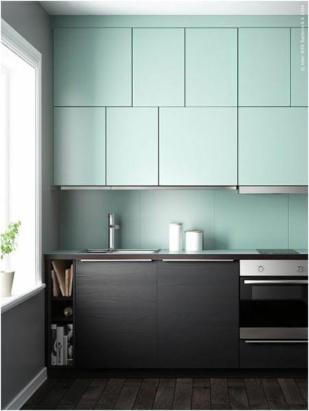 Monochrome Kitchen Design in Two Modern Colors