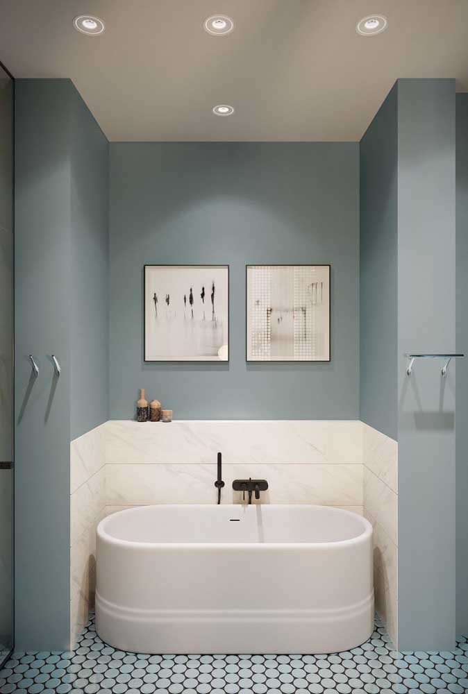 Small oval bath for that corner without using the bathroom.