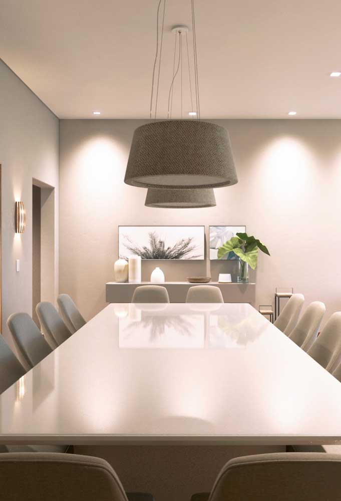 10. Decoration of classic dining room in neutral and light tones