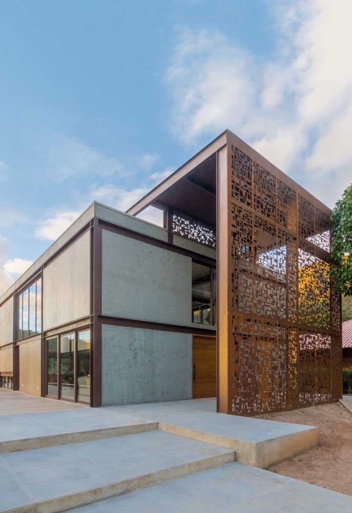 21. See what a perfect construction made with hollow corten steel.