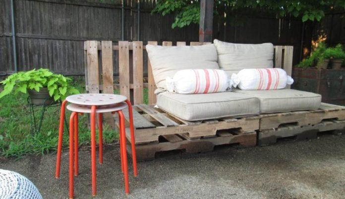 26. Simple pallet sofa model for the garden