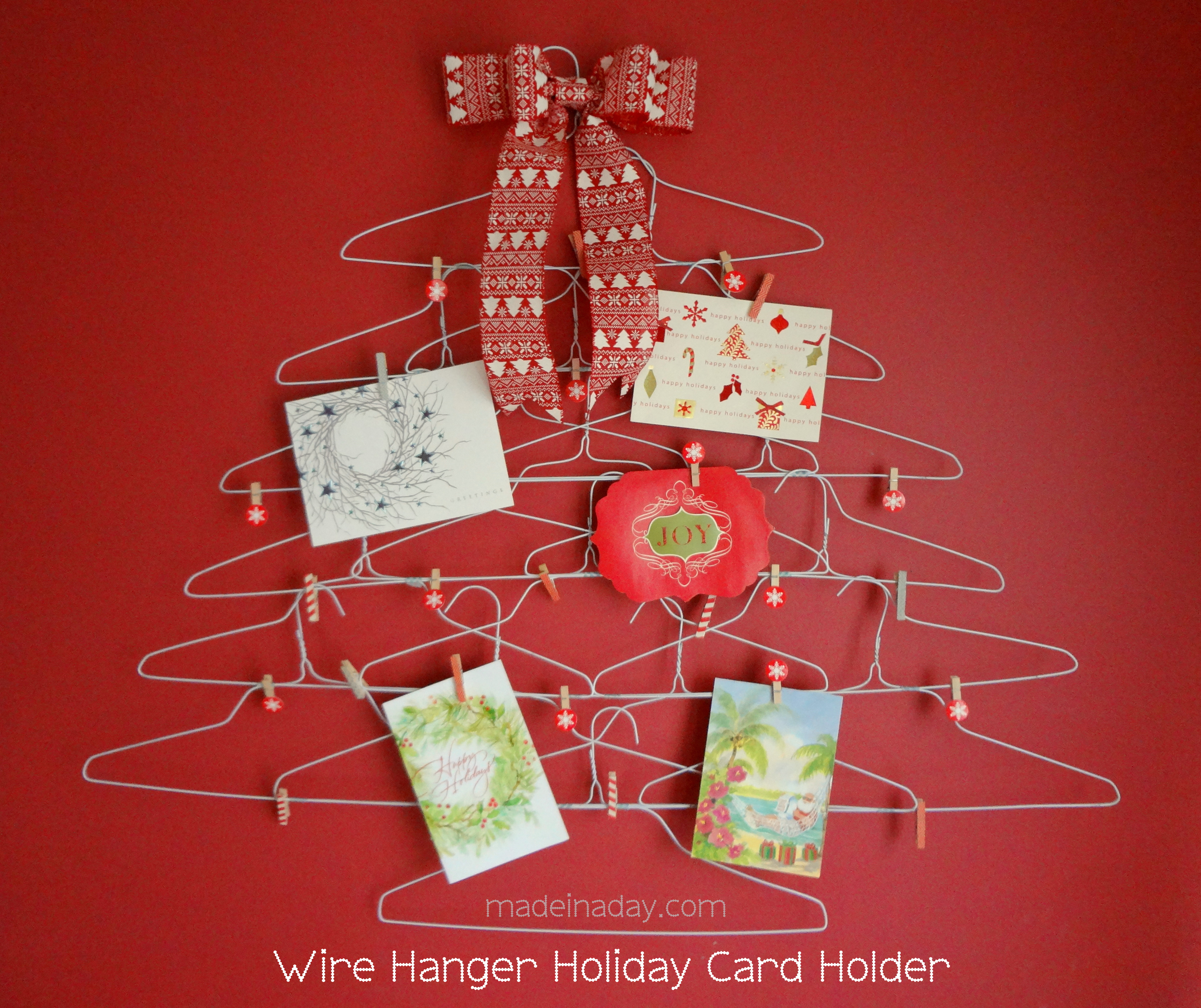 10 unique ways to display your christmas cards for Christmas card holder craft project