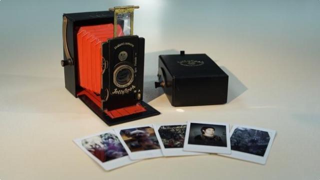 Jollylook, a câmera de fole instantânea de papel cartão