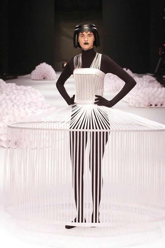 Papel_Moda_Jum_Nakao_Paper_Dress_06
