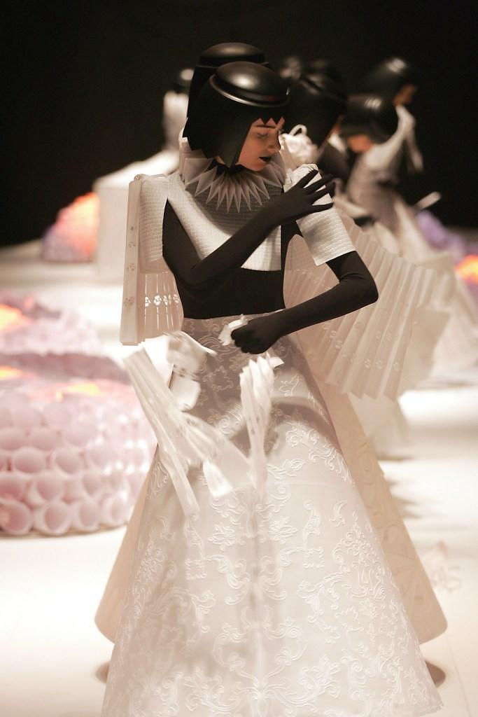 Papel_Moda_Jum_Nakao_Paper_Dress_07