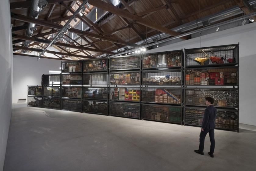 Muro de contención , 2021 Veinticinco gaviones de acero personalizados e inventario de ferretería