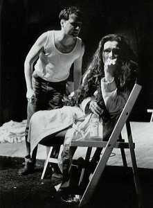 Ed Koorn als Stanley Kowalski en Martine Hamstra als Blanche Dubois; tastbare breekbaarheid en overtuigende emoties Foto: Marco Bakker